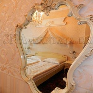 зеркало-в-спальне-можно-ставить-или-нет
